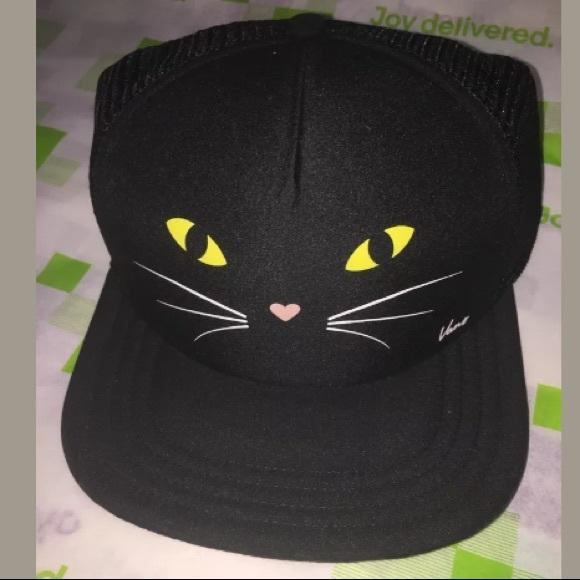 58f71c46ff6 NWT Vans Black Cat Mesh Lawn Party Trucker Hat
